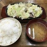 スタミナ焼肉鉄板王 - 料理写真:鉄板王 1.5人前=1020円 ご飯 大 =190円