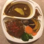 東京カレー屋名店会 - 野菜とハンバーグのカレー