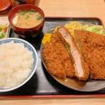 三朝 - 特製ジャンボロースカツ定食