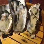 牡蠣バルまるいち - 生牡蠣