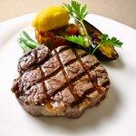 スエヒロ - ステーキは炭火焼が創業以来のこだわり