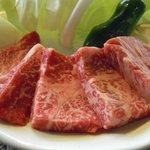 あか牛の館 - ロース肉アップ。