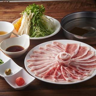豚しゃぶ食べ放題+〆のうどんで3000円と破格のプライス!
