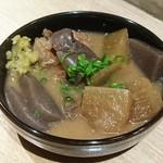 角打 魚助 - ◆くじらすじと大根の煮込み 480円(税別)