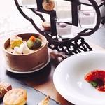 星期菜 - 香港風茶棚飾りデザート付き 飲茶ランチ