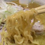105559317 - 麺リフト