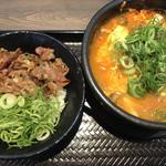 105560272 - カルビ丼ミニとスン豆腐セット