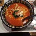 トマトラーメンと辛めん 三味 -