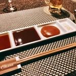 串揚げとワイン Ohana - 右から二番目のマスタードソースが使い勝手良い♪