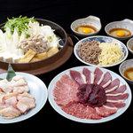 かのう屋 - 単品のミックスすき鍋。仕上げは麺か雑炊つき。