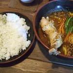 GOYEN - 煮込みチキンカレー(ライス大盛り)