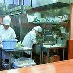 10558335 - 201111 燕楽 厨房.jpg