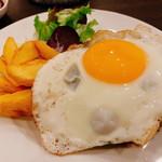 キッチン ブルーナ - 「ハンバーグステーキ(800円)」