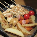 koshitsuizakayatorijuubee - 焼き鳥セットのチーズフォンデュ