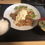 春日食堂 - 料理写真:チキン南蛮タルタルソース定食750円