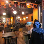 カフェ みつばち - 広々店内