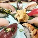 SUSHIと海鮮居酒屋 まるなみ - 房総地魚握り1480円