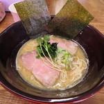 たけめん - 牛テールスープラーメン (濃厚 醤油) 850円