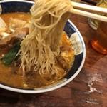 Shinamenhashigo - 麺リフト。シコシコしてます。細いです。