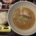 つけ麺専門 麺処 虎ノ王 - とんこつ醤油ラーメン680円(ライスおかわり自由)(2019.3.11)