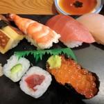 105618188 - セットのお寿司