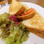 KAILUA HOUSE - BLTサンドイッチ