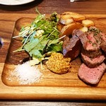 個室肉バルジャンラフィット - 赤身の旨味!ラム