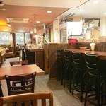 個室肉バルジャンラフィット - 店舗内観(テーブル席)
