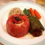 105633324 - トマトピーマンの肉・米詰め セット