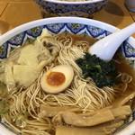 中国ラーメン 揚州商人 - 醤油ワンタン麺