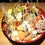 天ぷら串ともつ鍋 奥志摩 - どれでもお好きなのを揚げてもらえます!