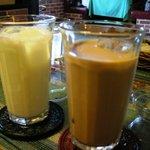 ロイヤルインドレストラン - アイスチャイとラッシー