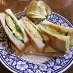 ラビニア - ツナとたまごのサンドイッチ