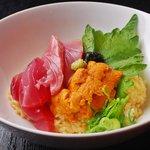 TARAKO - ウニまぐろ丼 950円★ご飯は玉子かけご飯を使用し岩海苔をアクセントに付けた〆にピッタリの一品♪