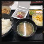 吉野家 - 納豆牛小鉢定食 390円