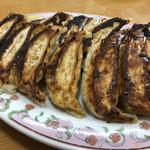 105654708 - 餃子(よく焼き)×2