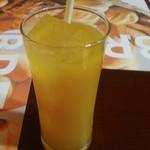 ラージャスターン2 - マンゴーの甘みコクが濃いマンゴージュース メチャ旨かった