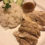 タイ料理 タイダイニングプラーローマー -