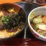 どんきゅう - 料理写真:カツオ漬け丼と冷たい蕎麦のセット
