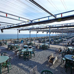 魚太郎 浜焼きバーベキュー - 広大な海の前に余裕の1000席!