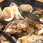 魚太郎 浜焼きバーベキュー - 牡蠣のガンガン焼き!