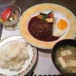 南 - ハンバーグランチ(ご飯・お味噌汁)