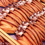魚太郎 - 料理写真:【魚太郎名物!】自家製とろさばの干物。買わなきゃ損!
