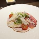 ボナ・フェスタ - 和豚もちぶたの自家製生ハムとロースハムのサラダ