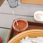 カキノキテラス - この味噌みたいなものは辛味。多めに使ったら激辛党でも結構辛くなりました。