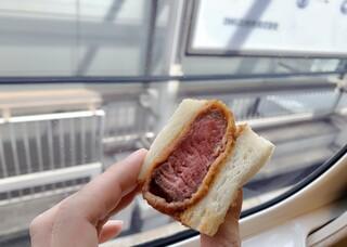 レストラン ヨコオ 大阪のれんめぐり店 - 牛カツサンド