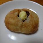 ペストリー&ベーカリーブティック - あんバター(180円)