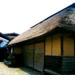 105692012 - 藁葺屋根の『あらきそば』さん