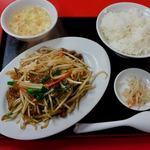 大連 - ニラレバ炒め定食 700円