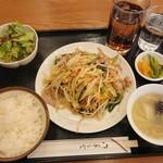 名菜酒家・珍来 - 料理写真:肉野菜炒め